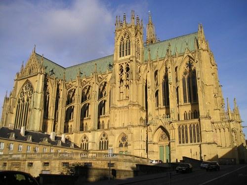 130420_3NXNRY1KQ4KBZ5836C6G16DSK1TKXC_metz_cathedrale_fa_ade_ouest_H173327_L
